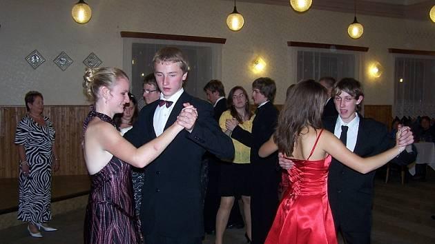 Hostomice ve víru tance