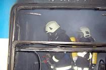Požár osobního vlaku ve stanici Černošice