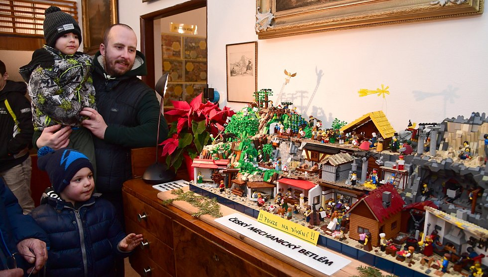 Z výstavy Medové Vánoce ve Svatém Janu pod Skalou.