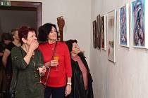 Výstava Jana Ryndy zahájila provoz nové galerie v prostorách TJ Sokol Králův  Dvůr.