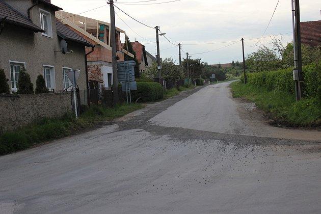 Křižovatka vLibomyšli sodbočkou na Neumětely je již průjezdná.