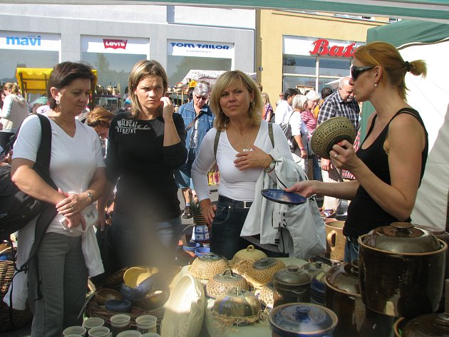 Tisíce lidí navštívily hrnčířské trhy