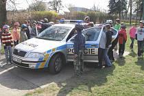 Rudenští policisté navštívili děti v Chyňavě