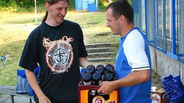 Radek Lapáček vyhrál fotbalovou dovednostní soutěž a vybojoval si tak zajímavou cenu.