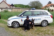 Městská policie Hořovice se nerozšiřuje jen o další strážníky. Nově zde působí i psovod se psem Aronem.