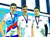 Pro cenné kovy v kategorii mladšího dorostu dohmátli zlatý David Ludvík (uprostřed) a bronzový Tomáš Míka, oba v dresu berounské Lokomotivy.