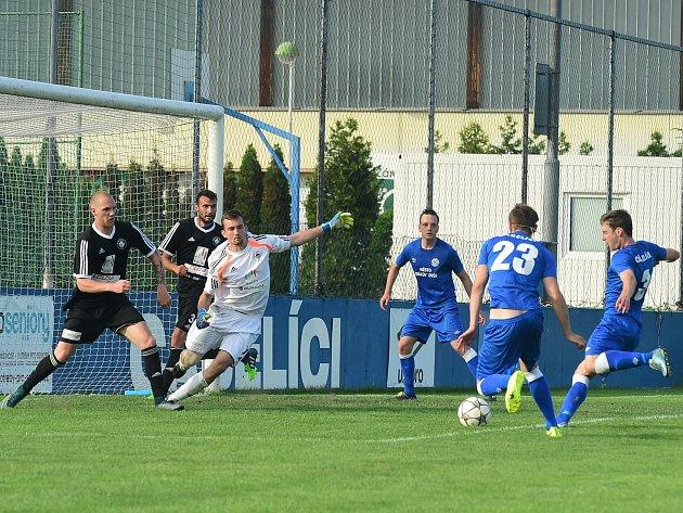 Fotbalisté Kolína ztratili v nastavení zápasu v Králově Dvoře remízu, a tím i záchranu v soutěži.
