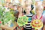 Králodvorští prvňáčci poslední školní den v roce 2014.
