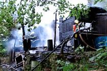 V Bubovicích hořela dřevěná chata