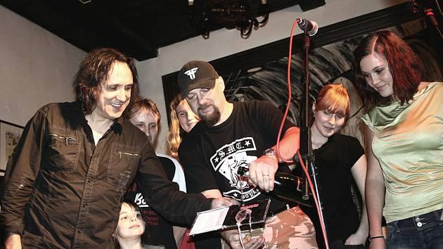 Kmotrem nového alba byl jeden z našich nejlepších kytaristů Miloš Dodo Doležal