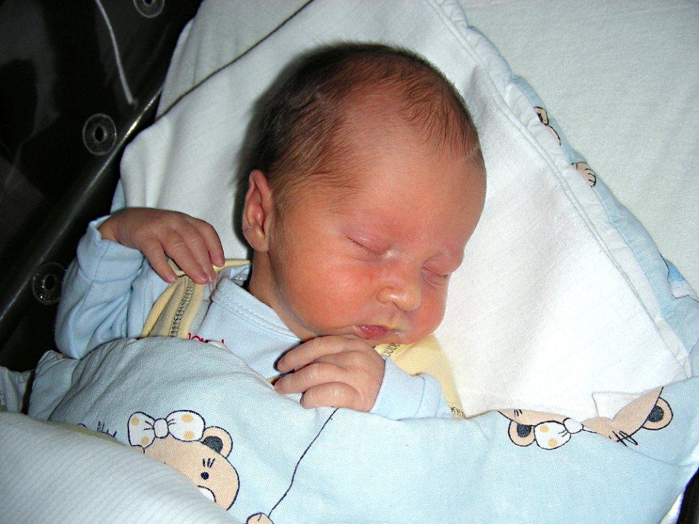 VOJTĚCH Vajnera se narodil 3. prosince 2016 s váhou 3,34 kg, mírou 50 cm mamince Janě a jméno pro něj vybral tatínek Milan. Vojtíška bude dětským světem provázet bráška Víteček (16 měs.). Manželé Vajnerovi si synka odvezli domů do Vižiny.
