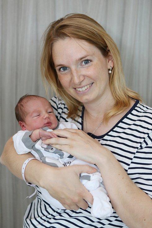 Tereza Sochorová se narodila 28. května 2021 v Příbrami. Vážila 3240 g a měřila 48 cm. Doma ve Smolotelích - Draha ji přivítali maminka Lenka, tatínek Ondřej, osmiletá Barunka a šestiletá Markétka.