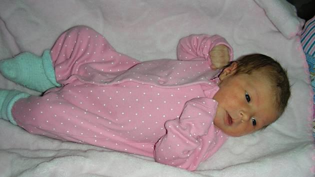 NA ŠTĚDRÝ DEN, 24. prosince 2017 přišla na svět Natálie Krčmová, první miminko Elišky Šmídové a Martina Krčmy z Králova Dvora. Natálce sestřičky na porodním sále navážily 2,78 kg a naměřily 46 cm.
