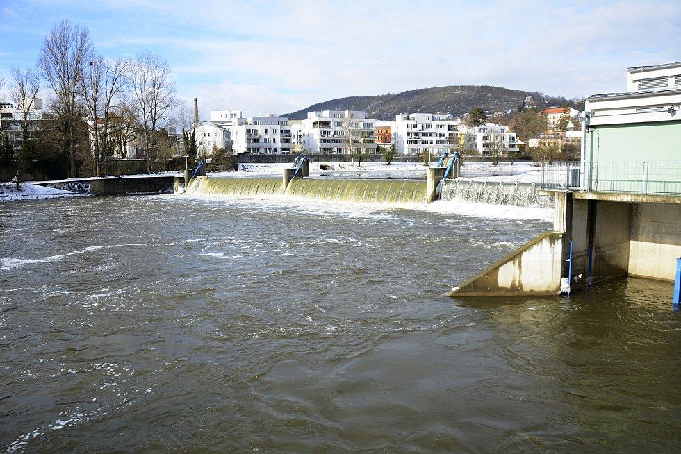 Malá vodní elektrárna na řece Berounce v Berouně.