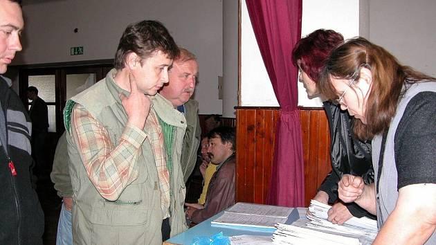 Účastníci semináře si mohli také vyzvednout formuláře pro podávání žádostí o dotace.