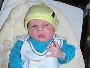 TAK UŽ JSEM na světě. Jmenuji se Patrik Nedvěd a jsem prvorozeným synem manželů Michaely a Radka z Tmaně. Moje porodní váha byla 4,01 kg a míra 52 cm.