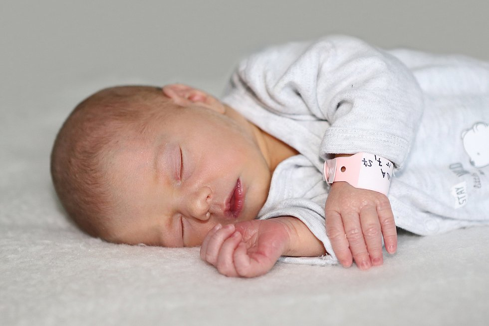 Marie - Anna Novotná se narodila 28. května 2021 v Příbrami. Vážila 2540 g a měřila 48 cm. Doma v Příbrami ji přivítali maminka Markéta a tatínek Jiří.