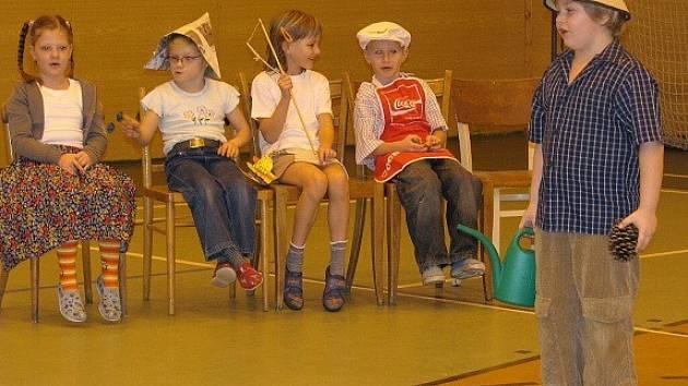 Děti se zapojily do soutěže Zpívá celá rodina
