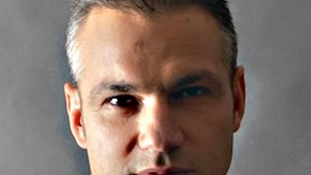 Manažer a producent Janis Sidovský