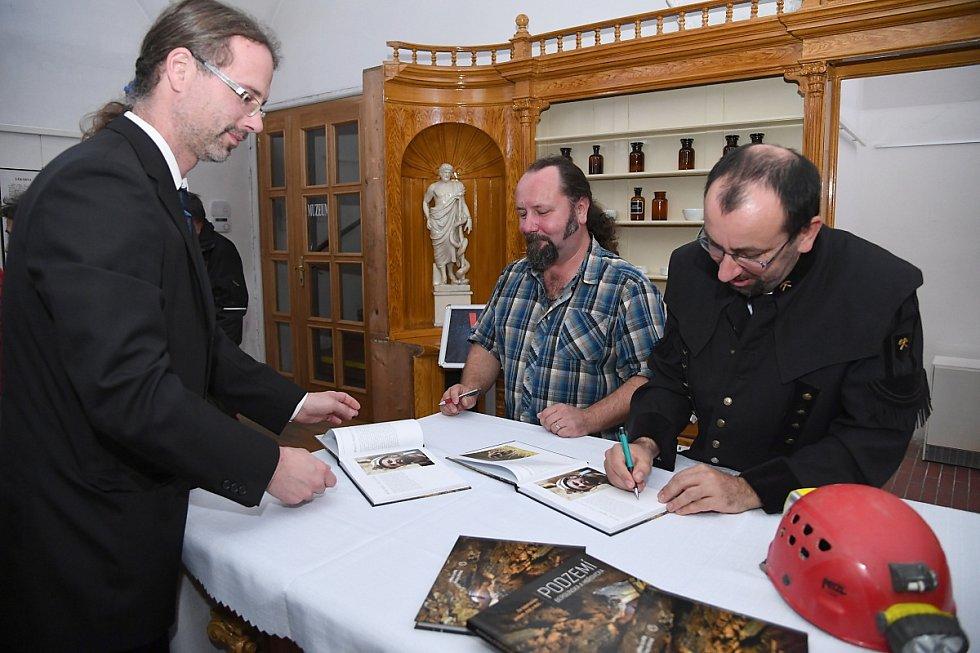 Ze křtu knihy 'Podzemí Berounska a Hořovicka' v Muzeu Českého krasu v Berouně.