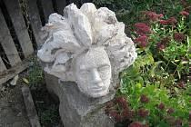 Busta skladatele Ludwiga van Beethovena od výtvarníka Jiřího Vydry ze Svaté.