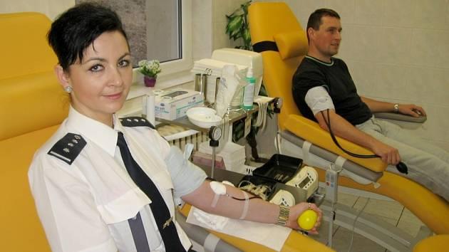 Policisté z Berouna a Rudné darovali krev