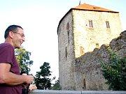 Kastelán Petr Zemánek přiblížil opravu krovu Královského paláce hradu Točník