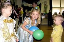 Charitativní ples princezen v Hořovicích