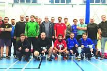 Na snímku účastníci nohejbalového turnaje v Hořovicích.