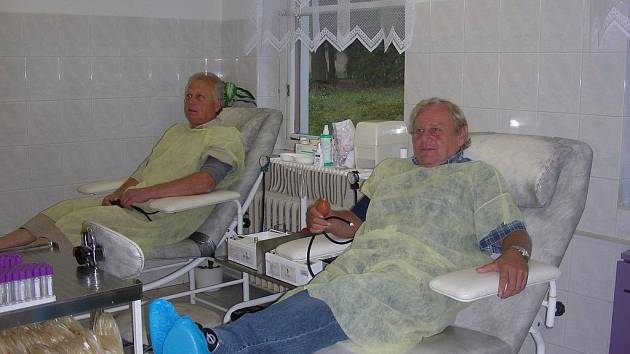 Čestní dárci krve na transfuzním oddělení hořovické nemocnice.