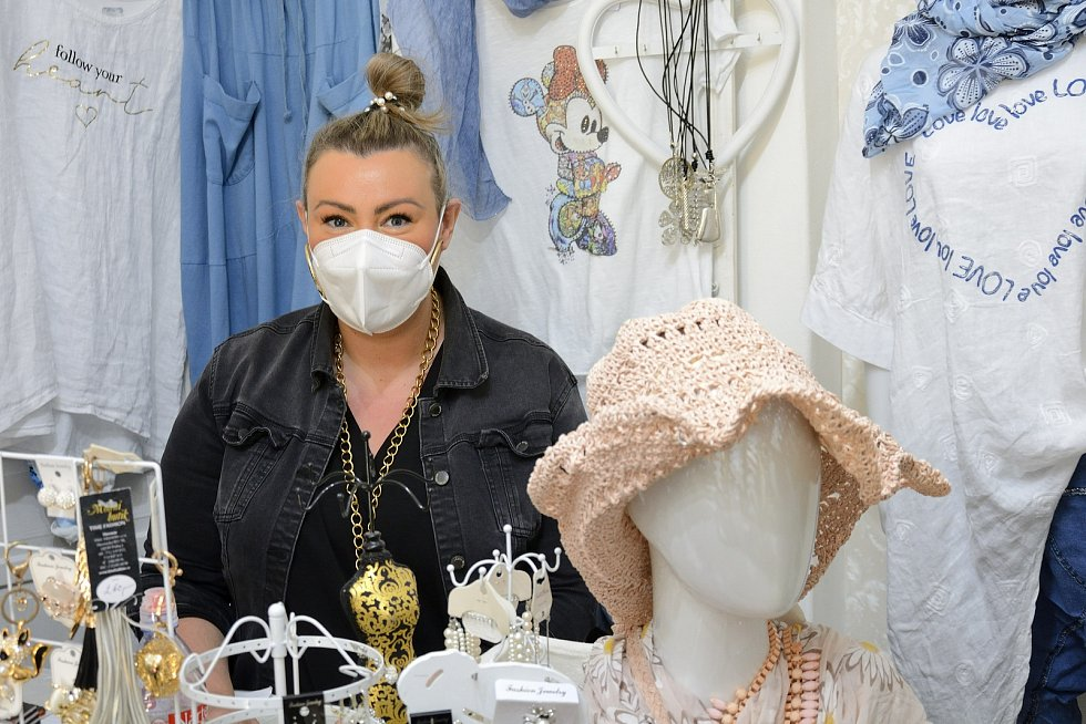 Majitelka módního butiku Timefashion Eliška Cháňová.