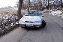 Výtluky na Berounsku ničí řidičům auta