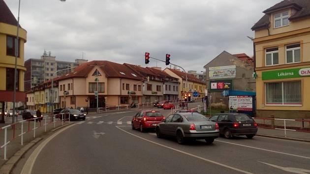 Světelná křižovatka ulic Plzeňská a Tyršova v Berouně.