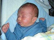 IVETĚ Matějkové a Jiřímu Čejkovi z Berouna se 10. března 2017 narodil druhý syn a dostal jméno David. Maminka přivedla syna na svět během třech hodin a chlapečkovy porodní míry byly 3,75 kg a 50 cm. Davídek bude vyrůstat s bráškou Jiříčkem (2).