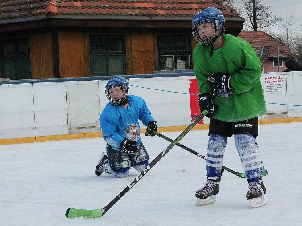 Z hokejového tréninku dětí.