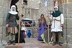 Královské vinobraní na Točníku má už své příznivce. V sobotu si ho nenechalo ujít přes 900 lidí.