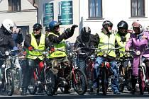 Spanilá jízda mopedistů Žebrák 2016