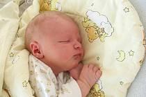 Manželům Janě a Vladimírovi Madarovým se 8. října narodil syn Dominik. Po narození Dominikovi sestřičky v porodnici navážily 3,67 kg a naměřily 52 cm. Rodiče si prvorozeného synka odvezou domů do Jiříkova v severních Čechách.