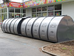 Uzamykatelné cykloboxy najdou cyklisté v  Berouně na několika místech.
