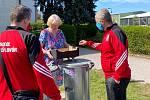 Sokolové z Králova Dvora pomáhají potřebným.
