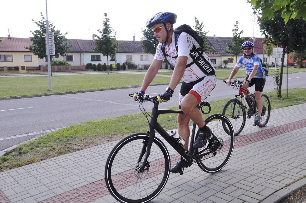 Síť cyklostezekprotíná celý region.
