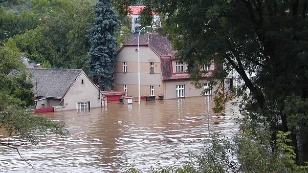Berounka zaplavila dům rodiny Zýkových až do výšky dvou metrů.