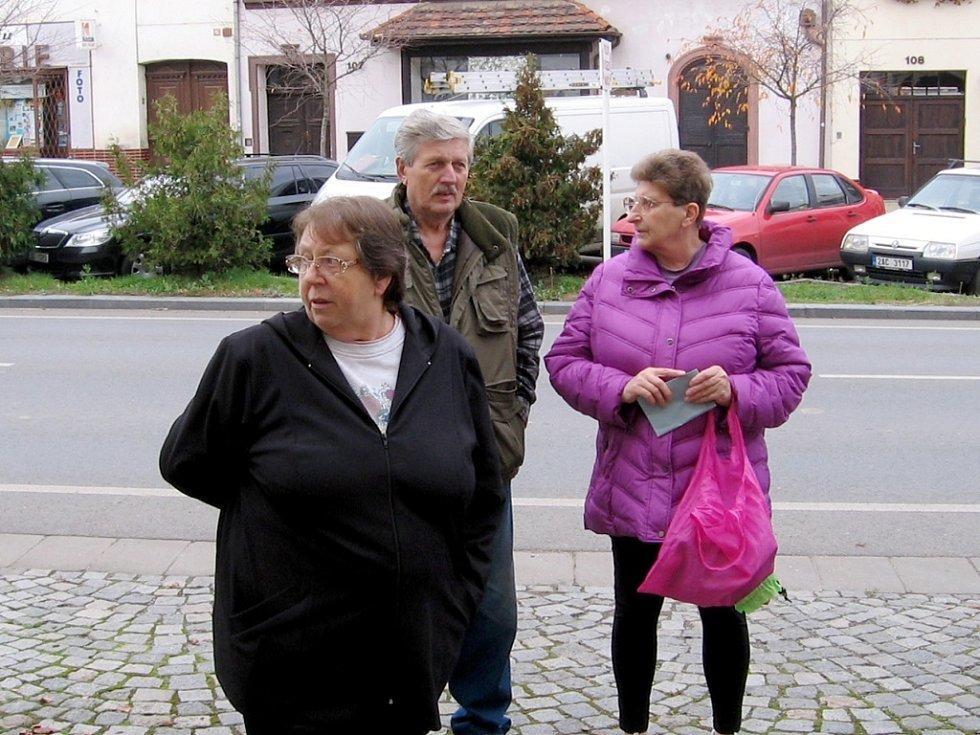 Nedočkaví voliči v Žebráku