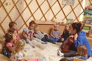 Lesní mateřská škola Studánka v obci Trubská