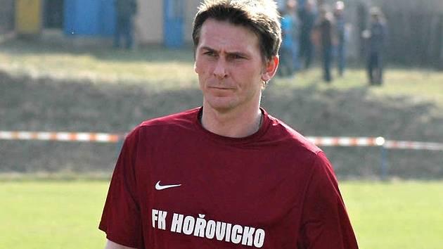 Při absenci tradičního gólmana se do branky Chlumce postavil Marek Mojžíš.