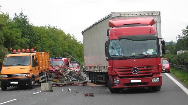 Nehoda na dálnici se obešla bez zranění