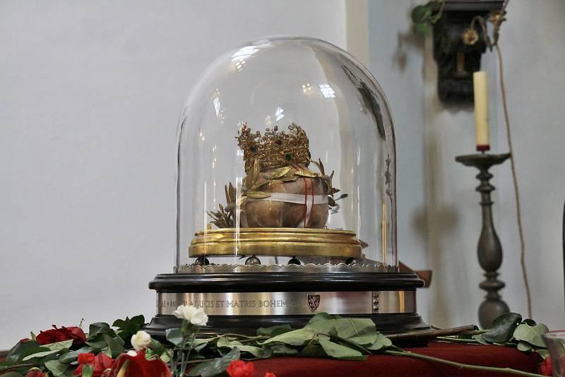 Lebka svaté Ludmily byla k vidění celý den. Poté Tetín opustila.