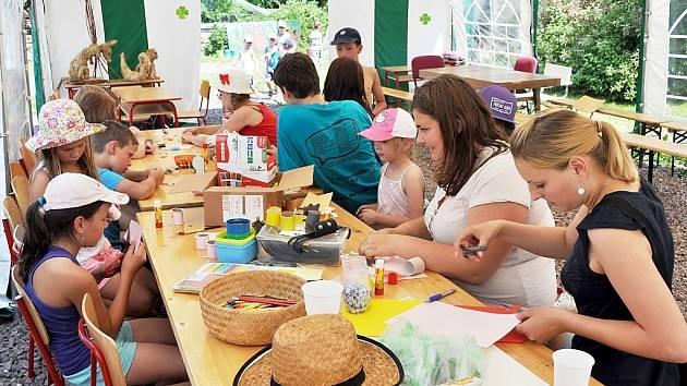 OBČANSKÉ sdružení Spolek Fištrón nabízí zábavu návštěvníkům každého věku.