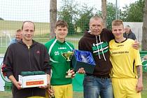 V pětileté historii Memoriálu Josefa a Pavla Husákových v Chyňavě poprvé vyhrál domácí tým, předseda Zdeněk Steiner mohl být právem spokojený.