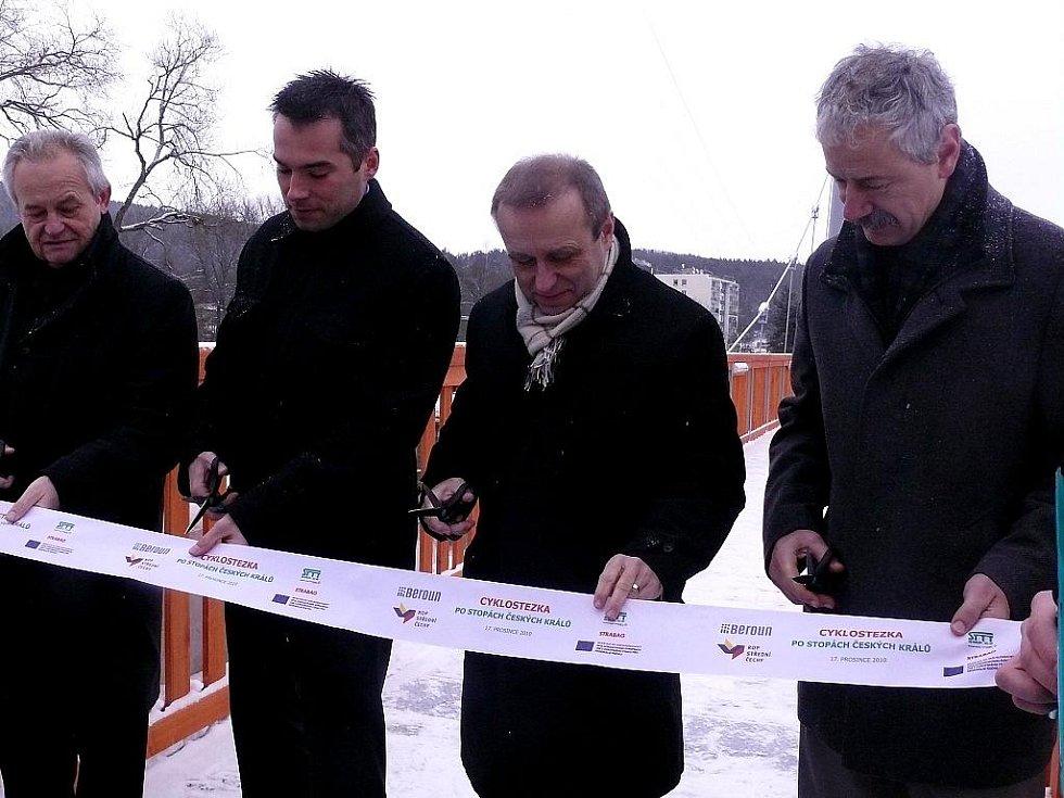Nová lávka spojuje berounské Závodí a lokalitu Na Ptáku.